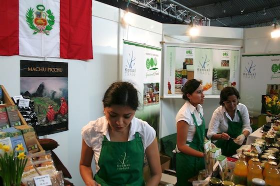 Stand mit Peru-Produkten von Kenual Trade